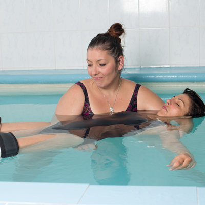 Watsu, massage en eau chaude