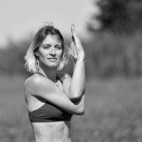 delphine granier propose des cours de yoga au centre de bien-être l'ô cocoon à pignan près de montpellier
